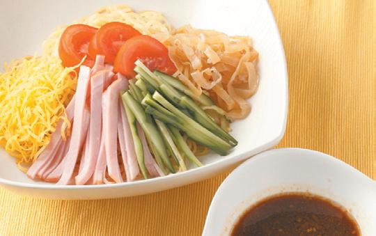 とり野菜みそだれで食べる冷やし中華