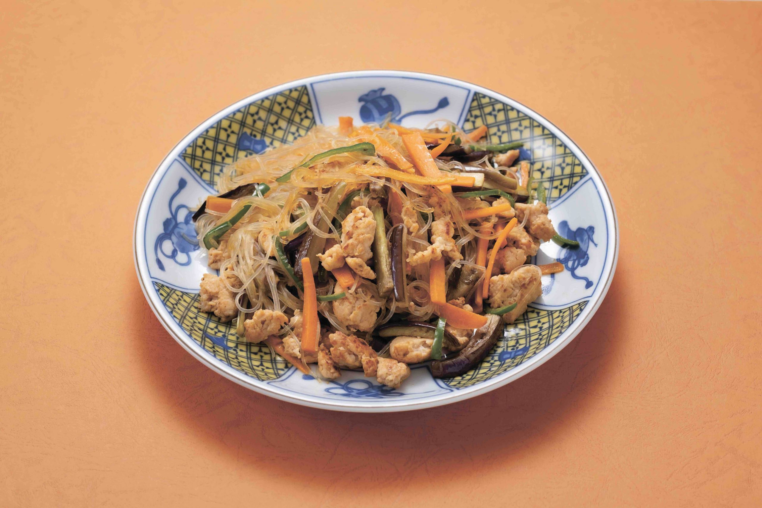 夏野菜みそチャプチェ